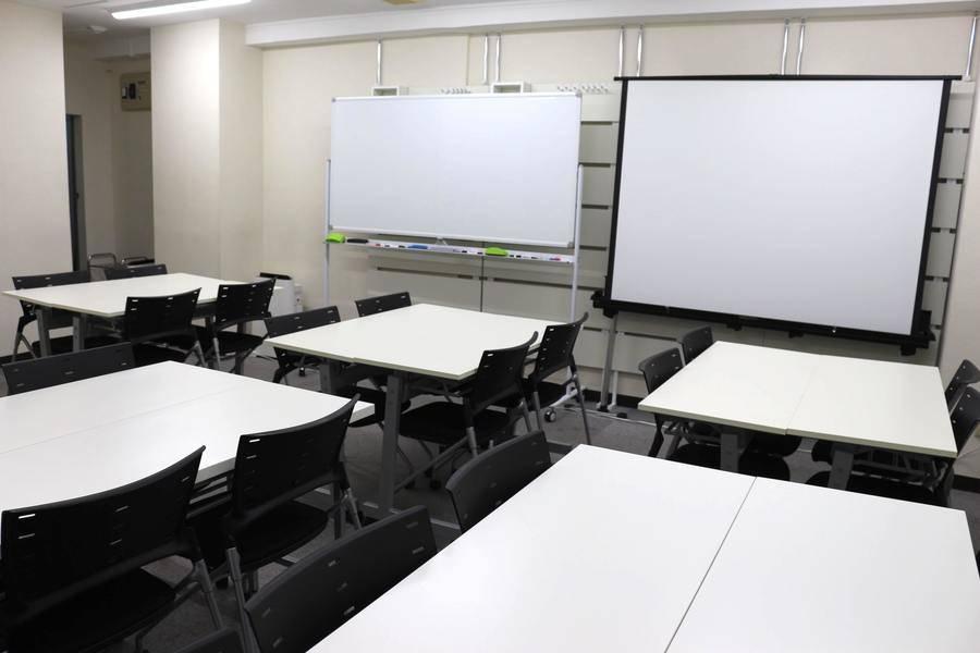 【新規OPEN記念!新宿三丁目徒歩3分】27人までの会議、ミーティング、レッスン、セミナー、オフ会など最適なスペースです。 無線LAN/ホワイトボード/プロジェクター/トイレウォシュレット【格安会議室!新宿駅徒歩圏内!】