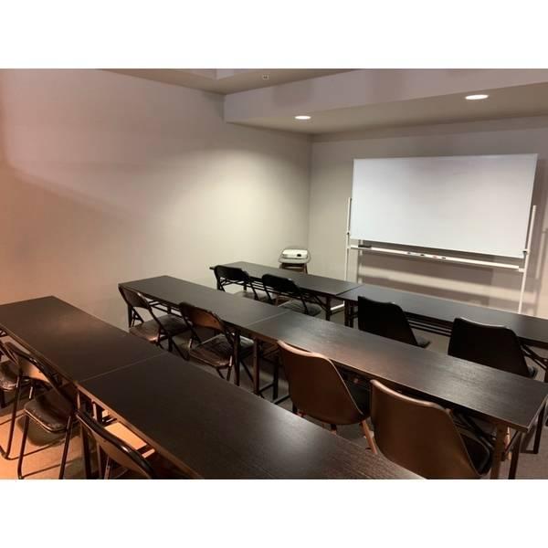 【メトロ丸ノ内線西新宿駅徒歩6分】会議室/個室/無線LAN完備/プロジェクター/ホワイトボード
