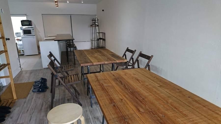 【世田谷】白を基調としたカフェ風キッチンスタジオ。料理撮影、パーティー、ママ会の利用などに!