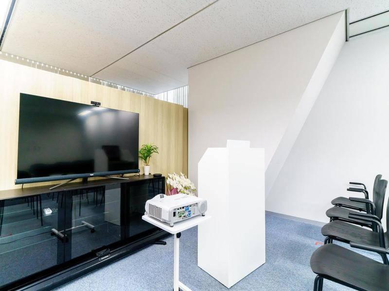 難波駅前徒歩0分!無料プロジェクター/テレビ会議設備利用可能!