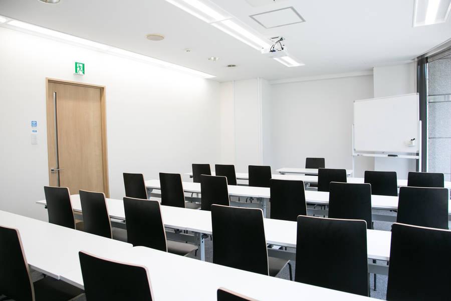 前日までキャンセル無料!名古屋で唯一のセミナー講師・主催者のためのセミナールーム