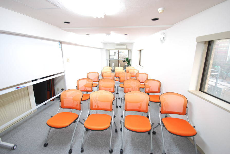 【渋谷駅徒歩4分】24人収容可能では渋谷で最安値!完全セルフサービス会議室