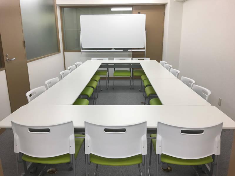 神田レンタルスペースFBCフォーラム会議室B(16名収容)淡路町駅徒歩1分!!