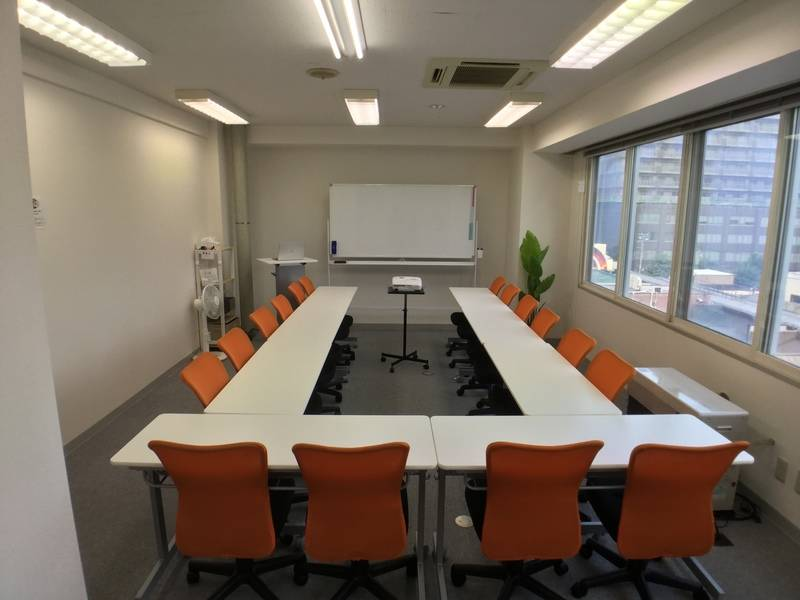 (通常営業中)《あいあい会議室 狸小路》約40平米の広い多目的スペースをお気軽にご利用いただけます