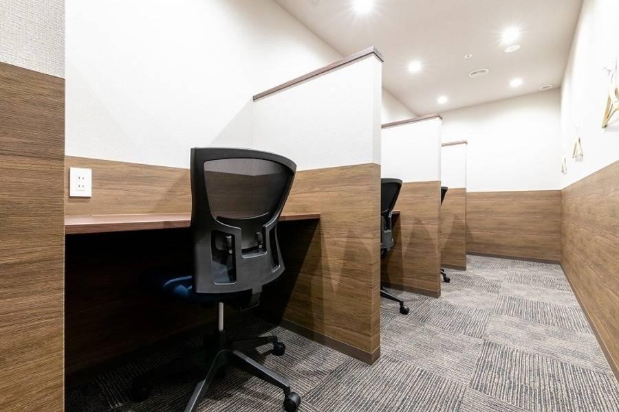 【千葉駅徒歩1分】コワーキングスペースの8名様用会議室#完全個室#高速インターネット#Wi-Fi完備#ホワイトボード#モニター#テレワーク#WEB会議