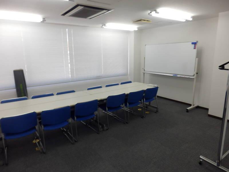 プロジェクター無料!<大塚駅徒歩5分!>池袋(小)会議室 (12名収容)