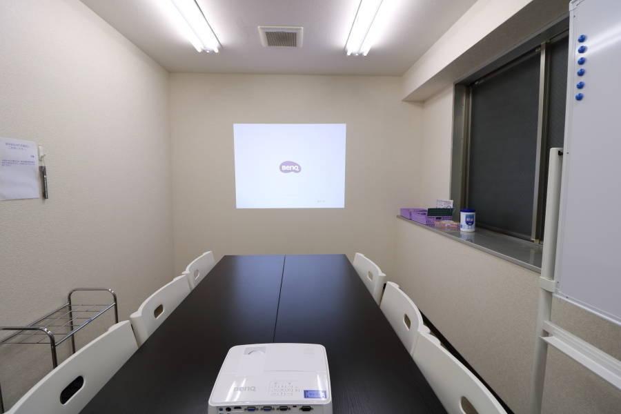 横浜新横浜駅 徒歩6分 横浜アリーナ1分 貸し会議室( 格安 清潔 完全個室 買物便利 )