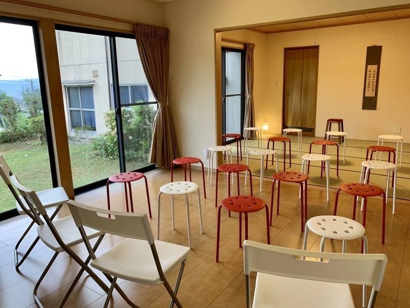 緑の多い会議室