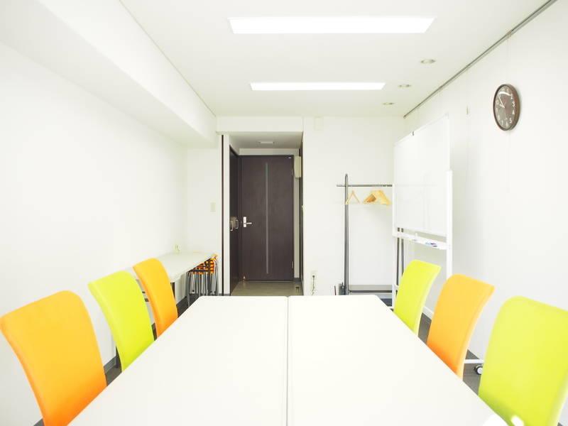 【JR池袋駅 西口 徒歩1分】レンタルスペース『Crave池袋』/Wi-Fi/最大10名/27㎡