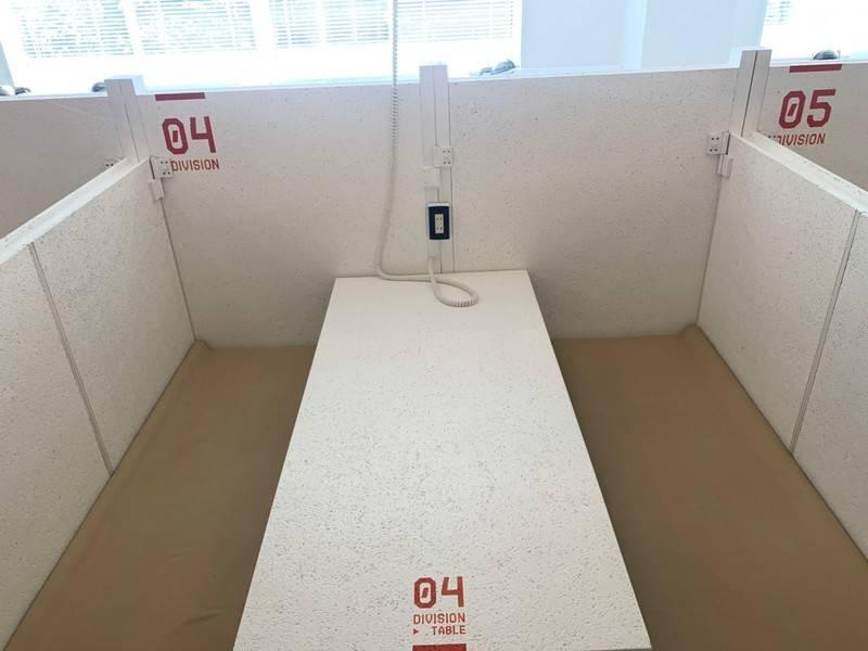 【特別料金実施中】オープンスペース!当日予約可!フリードリンク付きのスタイリッシュな会議スペース☆ ブース4