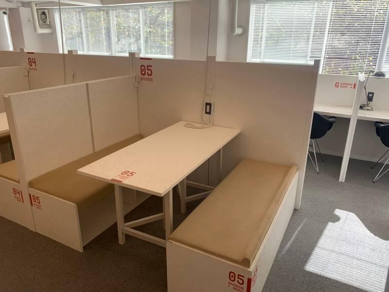 【特別料金実施中】オープンスペース!当日予約可!フリードリンク付きのスタイリッシュな会議スペース☆ ブース5