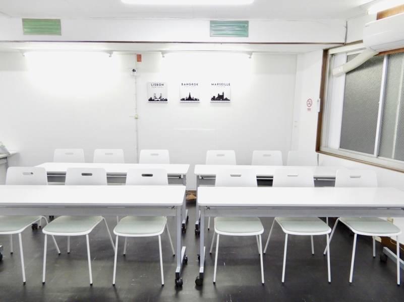 [駅チカ]阪急十三駅1分!テレワーク◎無料Wi-Fi!ゆったり広々♫マイクセット、TVモニターあり!大阪京都神戸からのアクセス抜群♫会議やセミナーに最適です!