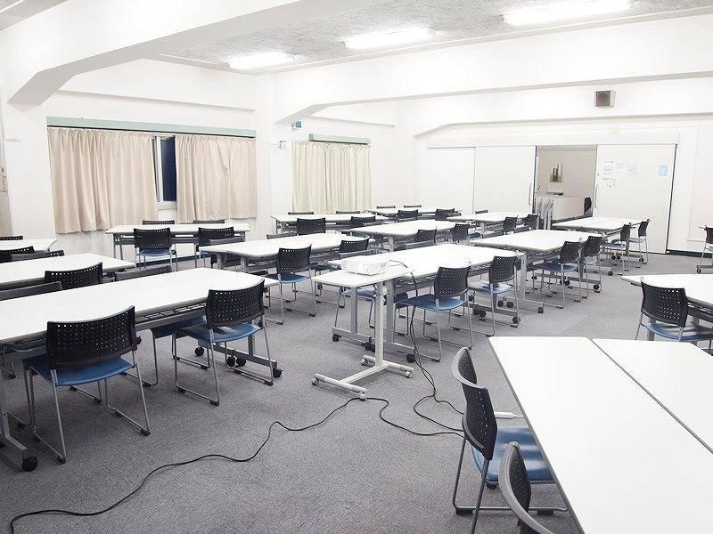 〜120名収容可能!水道橋駅西口1分!リーズナブルな貸し会議室 スタッフ常駐 窓開閉可能 3F教室