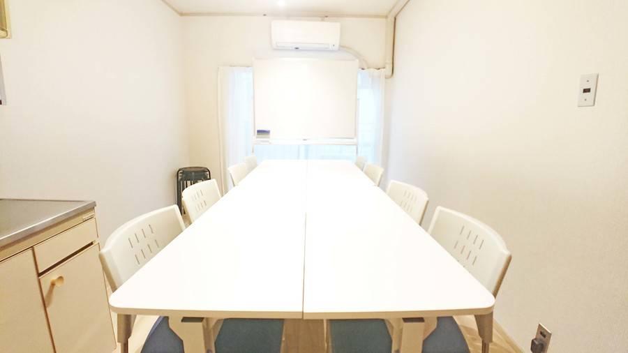 【博多駅6分!】完全個室/テレワーク/高速Wi-Fi・ホワイトボード・プロジェクター完備/安くてゆったり使えるシェアスペース「Drop by Hakata」