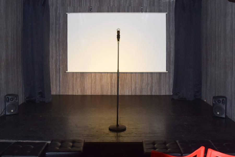 駅徒歩3分☆客席キャパ60席収容の劇場レンタルライブハウス
