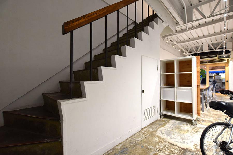 倉庫を1棟リノベーションしたギャラリースタジオ