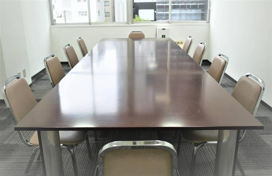 【九段下駅2分】駅チカ便利!打合せや商談など大事なビジネスシーンにぴったりなスタンダード貸し会議室(10名)