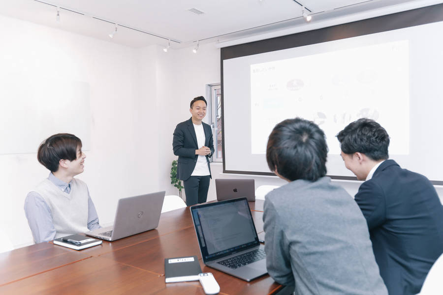 【渋谷駅徒歩5分!! 】最大40名のハイグレードスペース!大手企業利用/撮影実績あり!高速WiFi・プロジェクター無料!レビューを書いて最大50%OFFのお得な割引☆