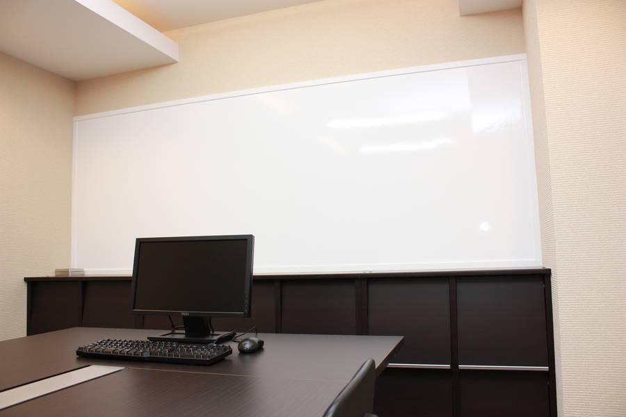 SPESCO会議室(SAKURA-N33)【北34条駅徒歩3分】会議・オフサイトミーティング・勉強会などに最適!