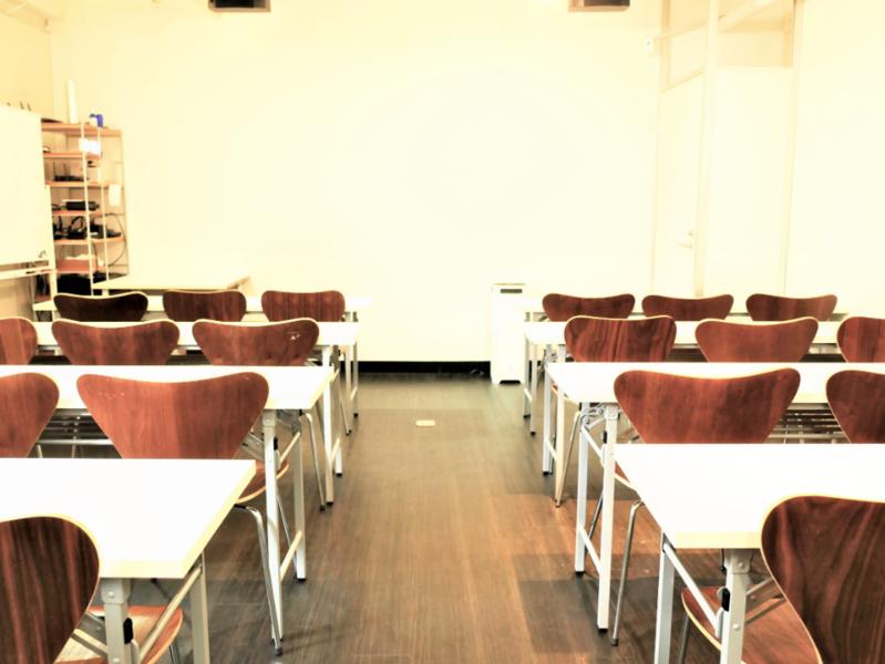 【恵比寿駅1分】木目調で落ち着いた大会議室(標準27名/最大30名)