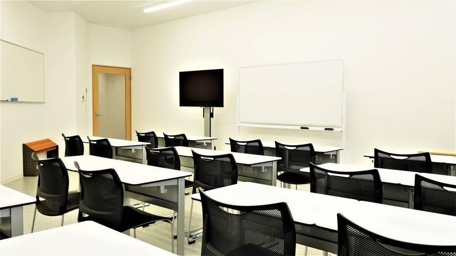 【東池袋20秒】新築でクリーンな、教室や講座にお勧めの貸会議室805(20名)
