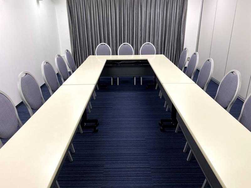 【コンファレンス東京】新宿Conference A (小規模な会議や会合に最適★新宿駅南口から徒歩3分!)