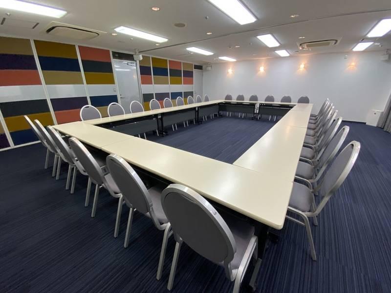 【コンファレンス東京】Conference A+B (新宿駅徒歩3分!スクール最大36名)