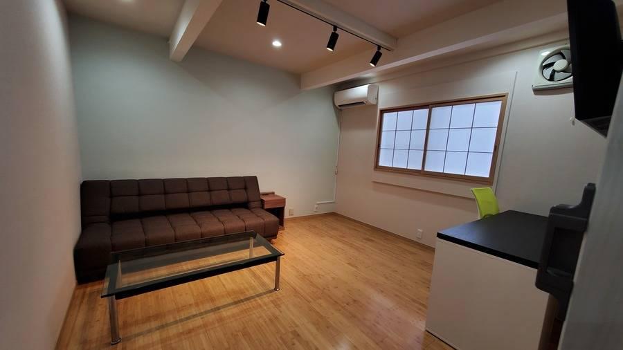新大久保・明るい2階個室・長期予約歓迎