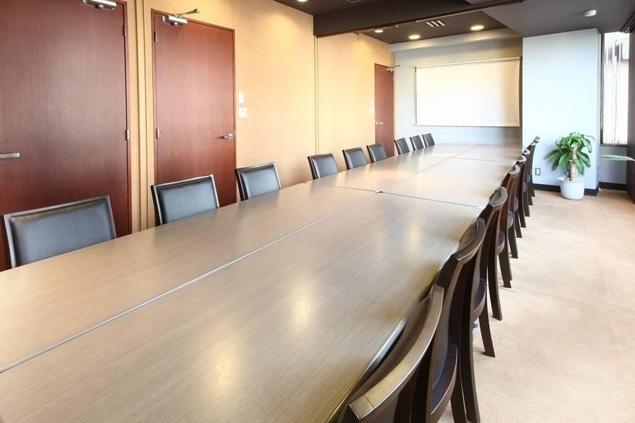 【四ツ谷】駅徒歩1分!研修や小規模セミナーに!20名用貸し会議室