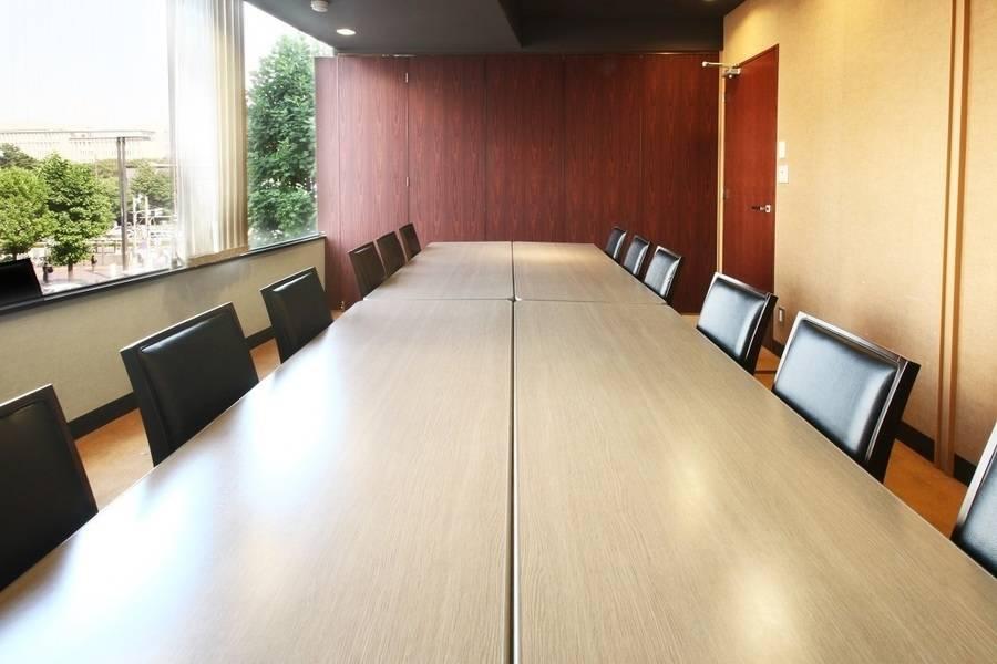 【四ツ谷】駅徒歩1分!ミーティングや商談におすすめ♪12名用貸し会議室
