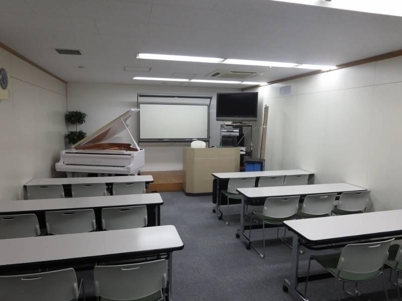 渋谷 レンタルスペース 日本ピアノ調律・音楽学院 101室
