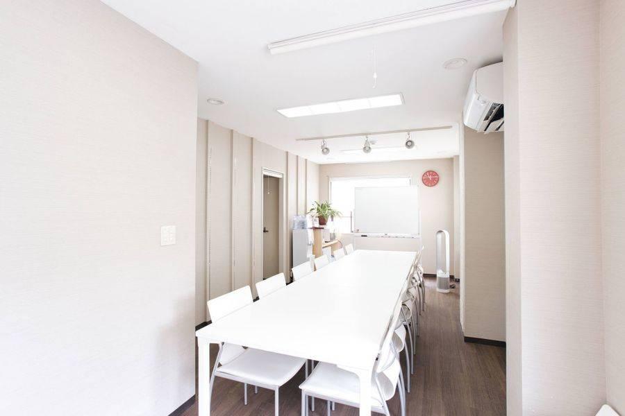 品川駅徒歩5分!セミナーや会議、女性向けの勉強会等におススメな静かでアットホームなスペースです♪
