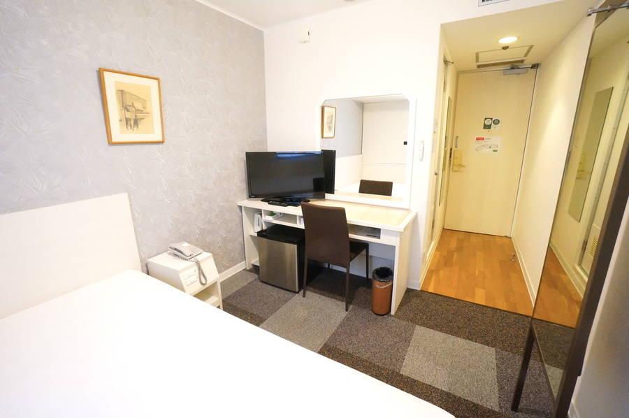 <ミニマルワークスペース新大阪No.1>ニューオーサカホテルの1室♪Wi-Fi無料/テレワーク/Web会議