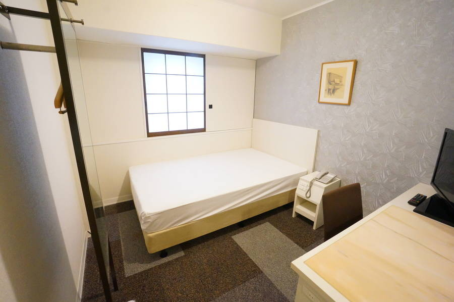 <ミニマルワークスペース新大阪No.13>ニューオーサカホテルの1室♪Wi-Fi無料/テレワーク/Web会議