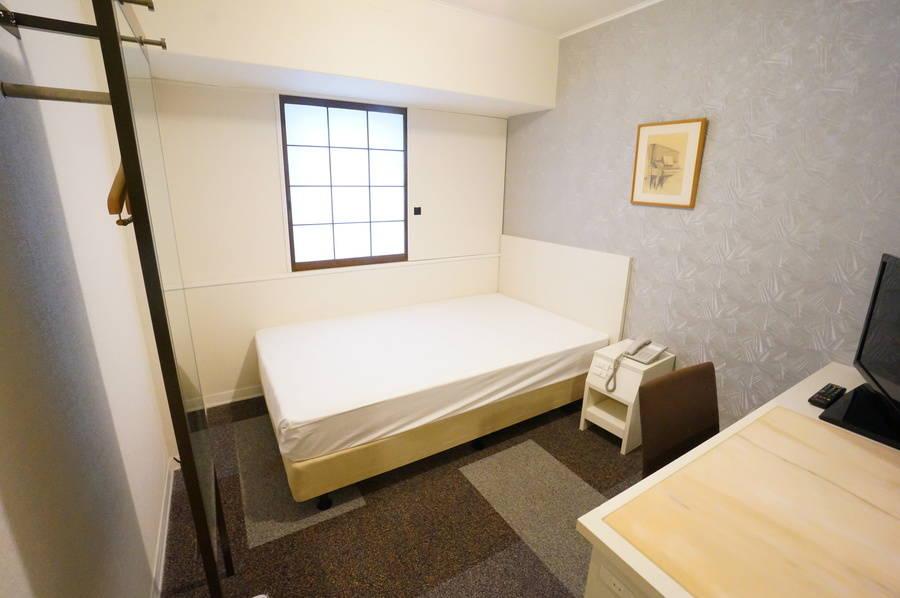 <ミニマルワークスペース新大阪No.18>ニューオーサカホテルの1室♪Wi-Fi無料/テレワーク/Web会議