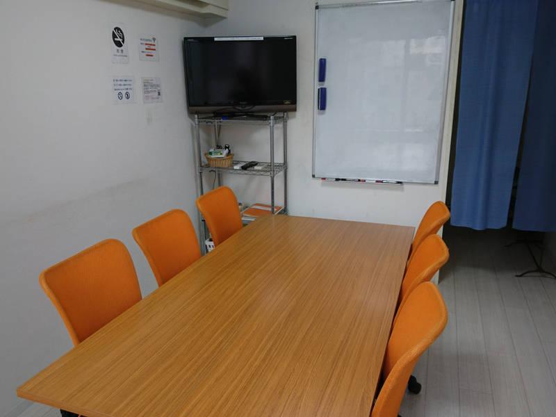 【横浜駅西口5分】完全個室でWi-Fi使い放題 長時間割引や直前割引もあり