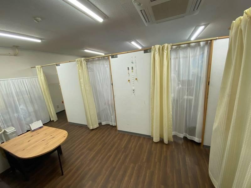 東新宿駅B3出口徒歩3分・東新宿レンタルスペース~③エステ・アロマ・施術・脱毛・まつエク・エステ用ベッド