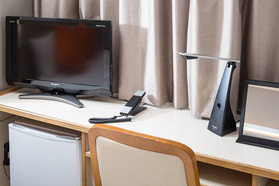 【完全個室 l ZOOM会議やリモートワーク最適環境】~ホテルサンホワイト E室~ <谷町四丁目駅徒歩4分>
