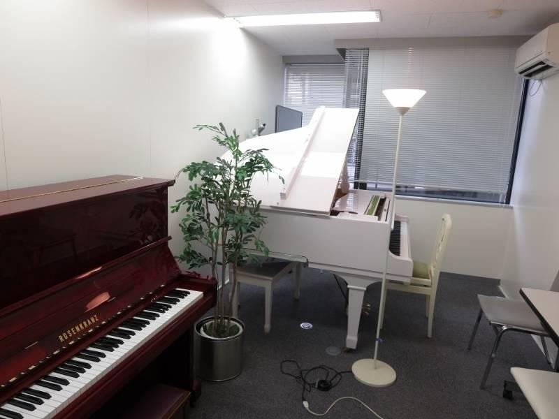 渋谷 レンタルスペース 日本ピアノ調律・音楽学院 レッスン室105の写真