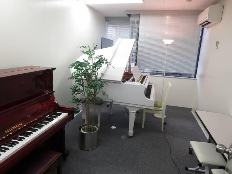 渋谷 レンタルスペース 日本ピアノ調律・音楽学院 レッスン室105