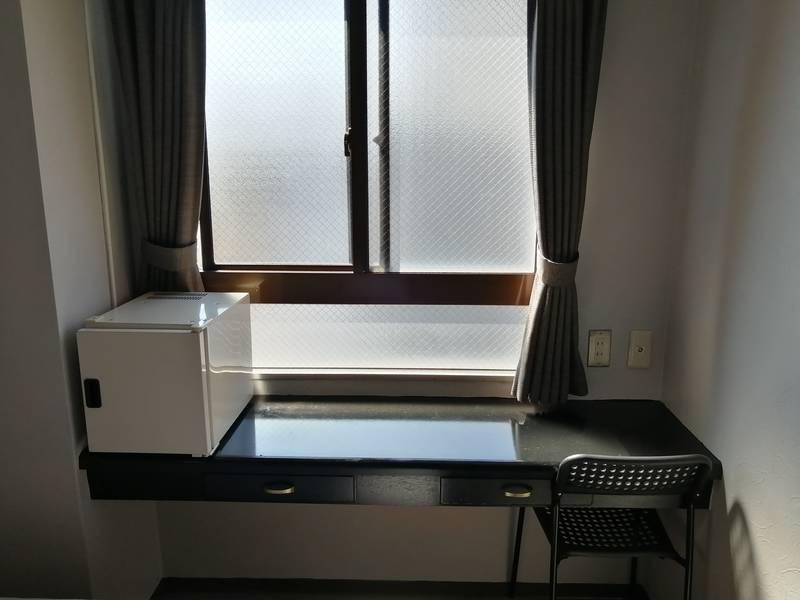 ~ATOホテル E室~ Wi-Fi無料・Zoom会議・静かな個室・<地下鉄三条京阪駅から徒歩2分>