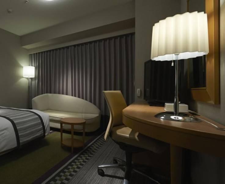 【完全個室 l ZOOM会議やリモートワーク最適環境】~ホテルサンルートプラザ新宿~ <新宿駅から徒歩3分> ダブルルームA