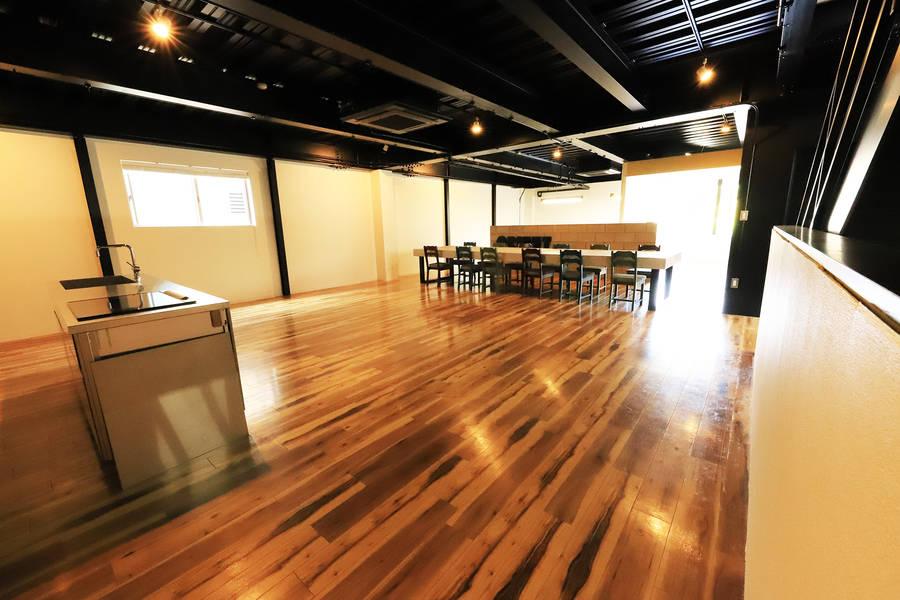 名古屋市北区、瀬戸線清水駅目の前!1階はオープンスペース★パーティ、ヨガやダンス、展示会や撮影にもおすすめ!
