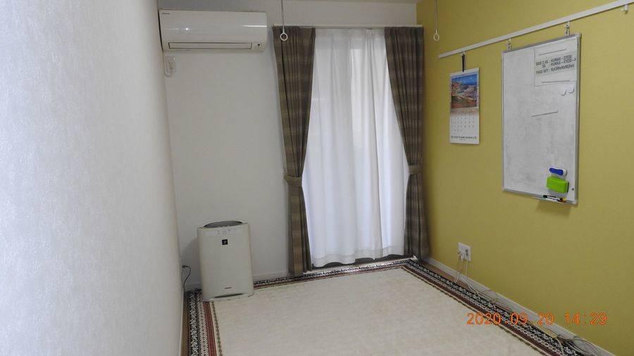 北千住駅東口から徒歩5分の個室で、打ち合わせやミニセミナー、着付け教室などに最適。2018年2月に新築した綺麗な部屋。清潔で使いやすいと好評です。