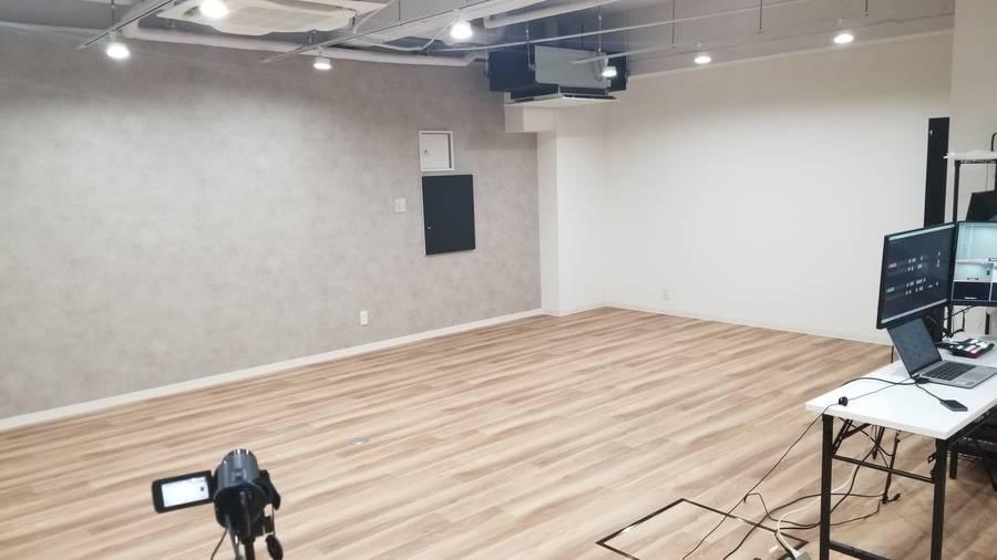 東京駅から徒歩10分、日本橋駅、八丁堀駅から徒歩5分の24時間利用できるレンタルスタジオ。