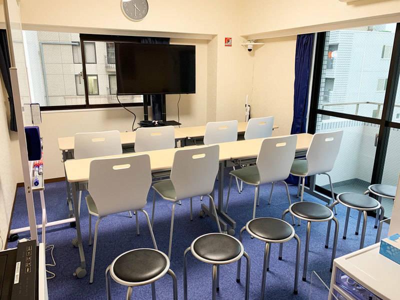 【京急川崎駅徒歩1分】【NEWオープン特価!!】完全個室・高速インターネットWi-Fiありアクリル板設置!清潔な空間で会議・セミナーに最適 女性のみでも安心してご利用いただけます!(最大12人収容・適性人数8人)