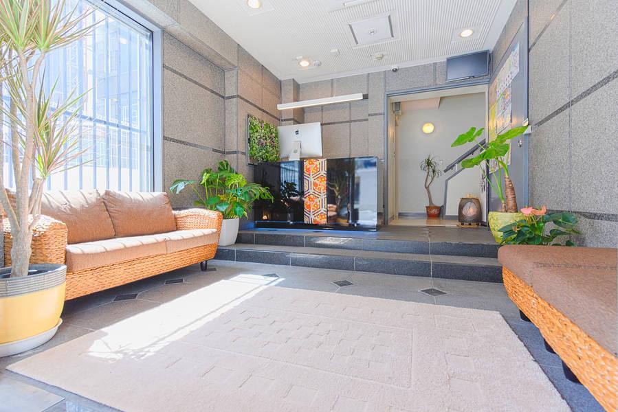 【安定の超高速WiFi・高セキュリティ 大阪心斎橋駅1分】毎回消臭・清潔・除菌。コンシェルジュ常駐の快適ワークスペース。充実の充電環境(USBも可)リモートワーク・テレワーク・自習室・PC作業スペース◎OFFの時はゴロンと横になれます。
