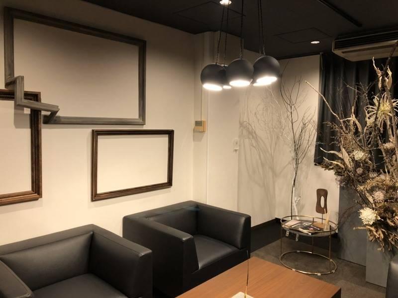 広瀬通【仙台協立第1ビル3階3-E貸会議室・応接室】4名様用 重要な商談や打ち合わせのできる応接室 成約に繋がる会話をサポートする上質な空間です