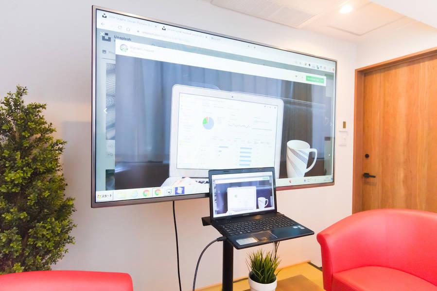 【超高速WiFi】心斎橋駅1分。大きな窓の会議室。超高速WiFiは接続後も安定+電源◎商談・zoom/web会議・オンラインミーティング・会議室