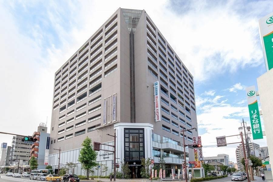 【浜松駅徒歩9分】8名用会議室 #WEB会議 #Wi-Fi #フリードリンク#テレワーク◎コワーキングスペース併設で打合せ後にそのまま仕事ができます。